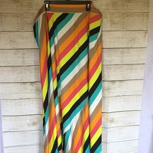 🍁🍂IT'S  MULTI COLORED SKIRT SIZE 3X 🍂🍁